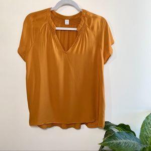 Old Navy mustard short sleeve blouse medium NWT